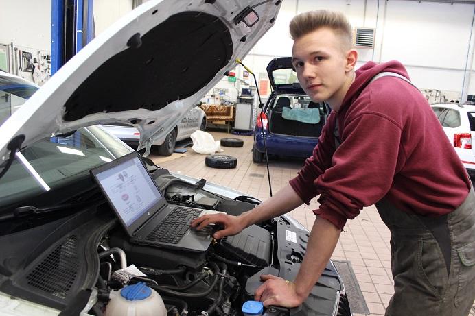 Ausbildung Kfz Mechatroniker M W Bei Autohaus Klische